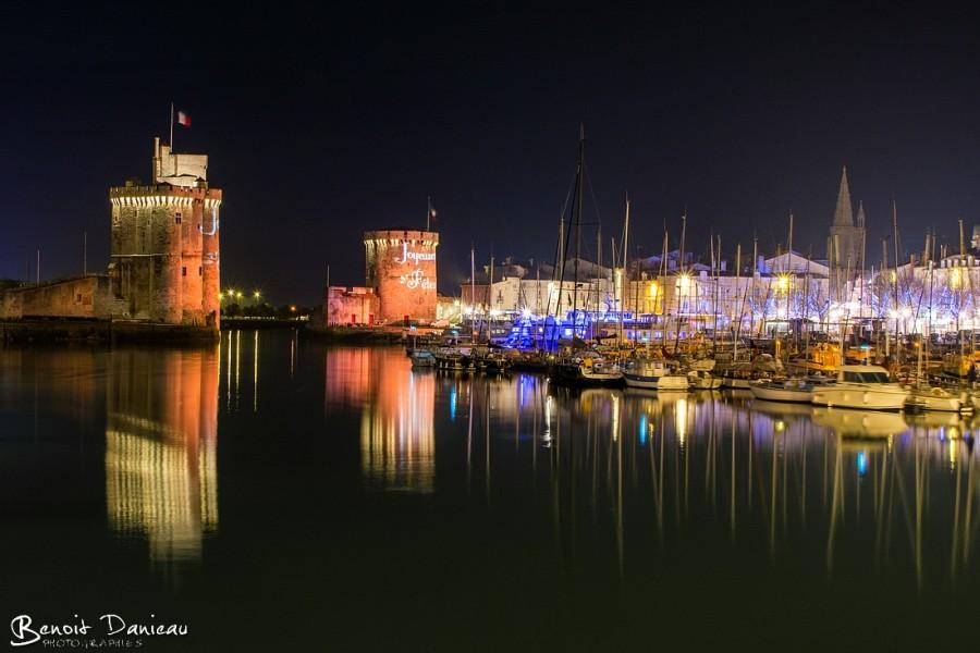 Le vieux port de La Rochelle de nuit