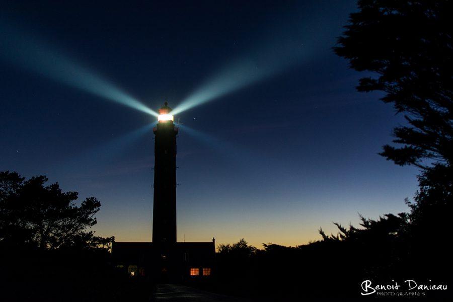 phare de kervilahouen Phare de Goulphar de nuit