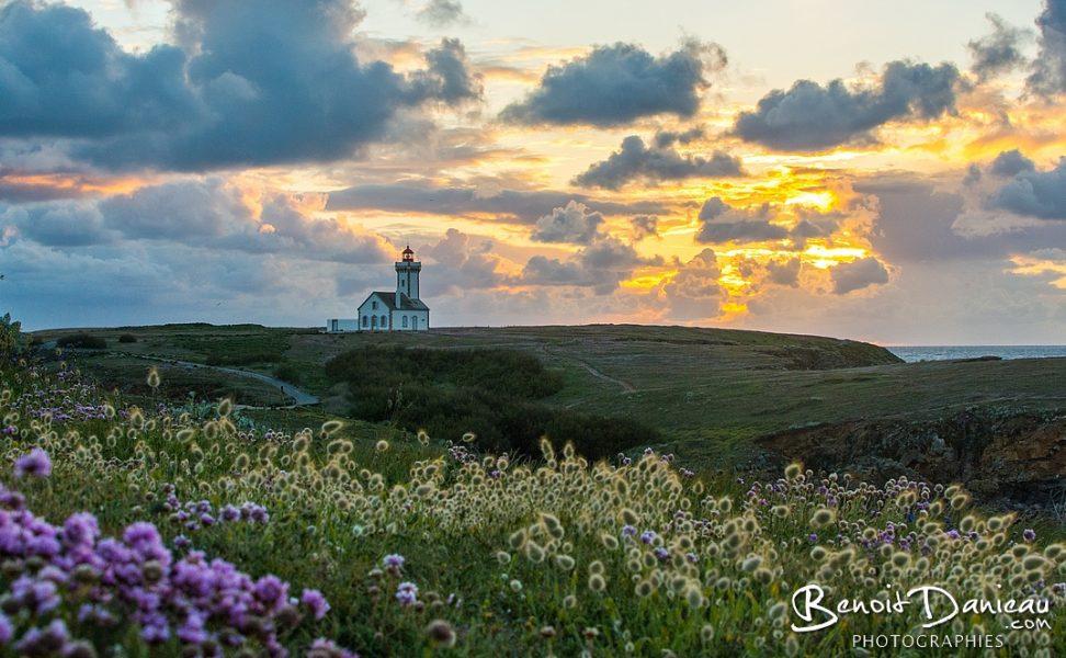 pointe des poulains belle ile en mer au coucher du soleil