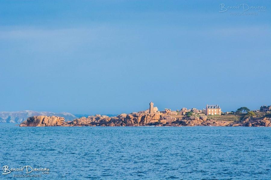 phare de ploumanach phare men ruz depuis tregastel ile renote